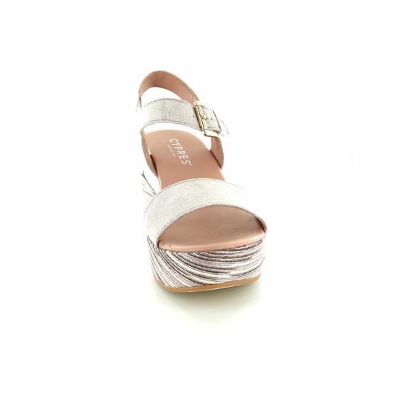 Cypres sandalen goud
