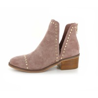 Steve Madden booties taupe