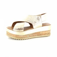 Inuovo sandalen goud
