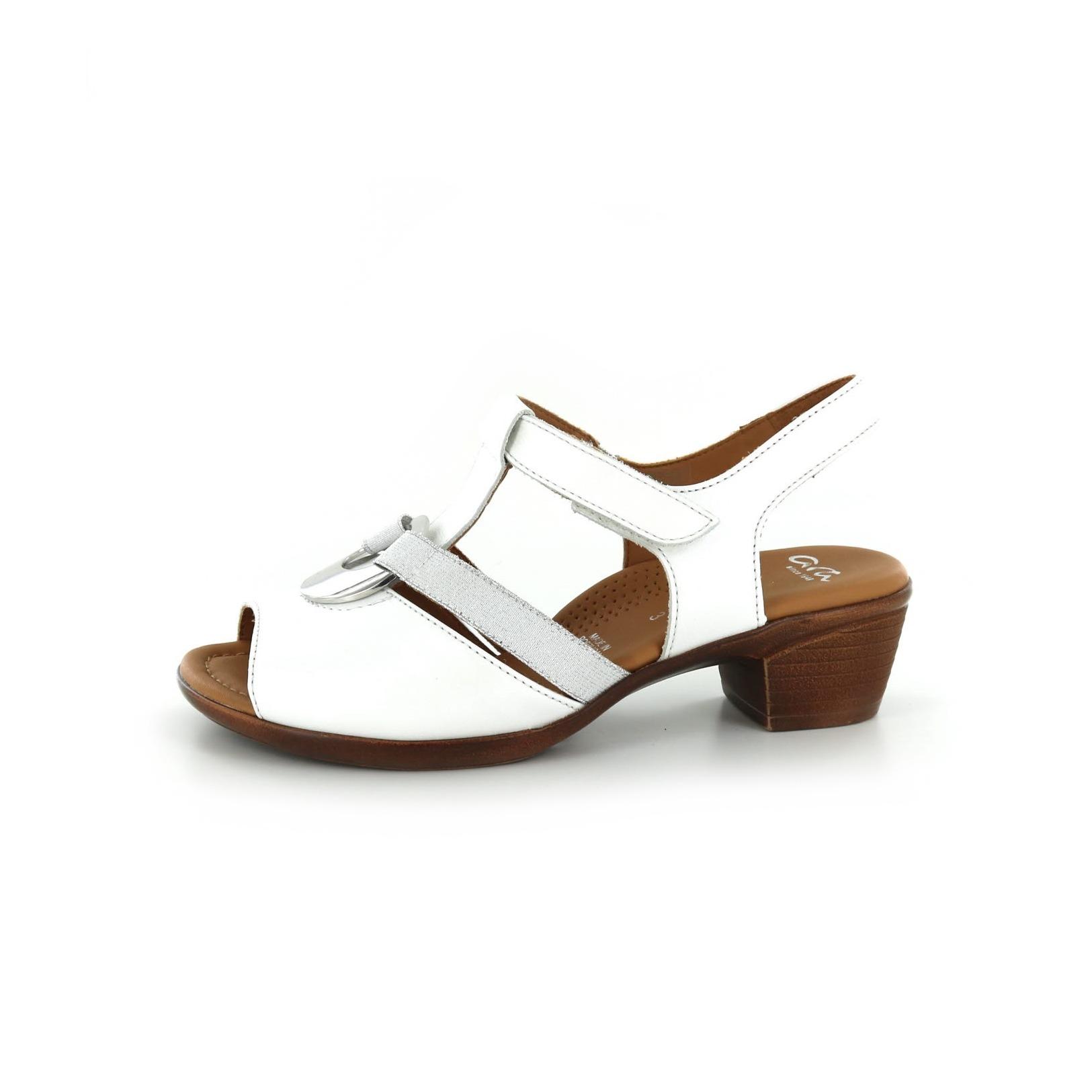 ARA / Sandalen, wit